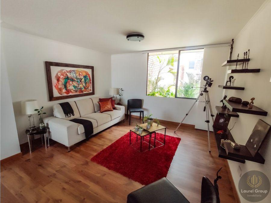 se vende apartamento ubicado en laureles