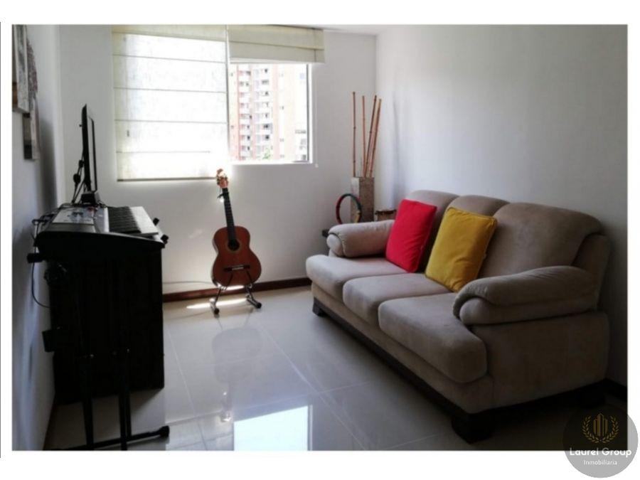 se vende apartamento loma del bernal medellin c