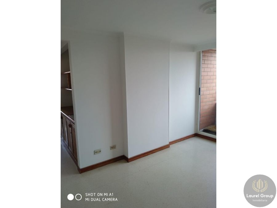 se vende apartamento en laureles nogal
