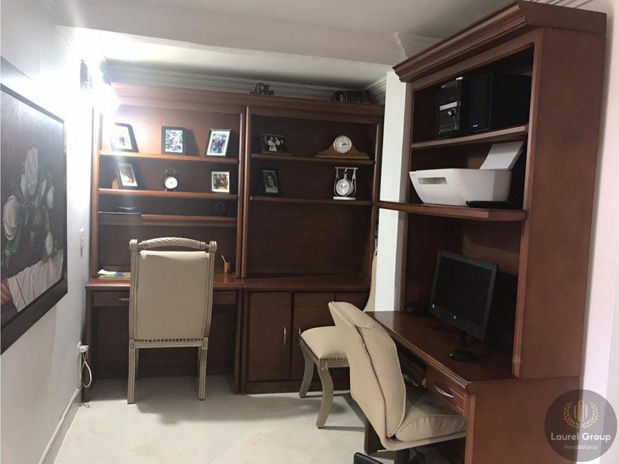 se vende apartamento en laureles medellin