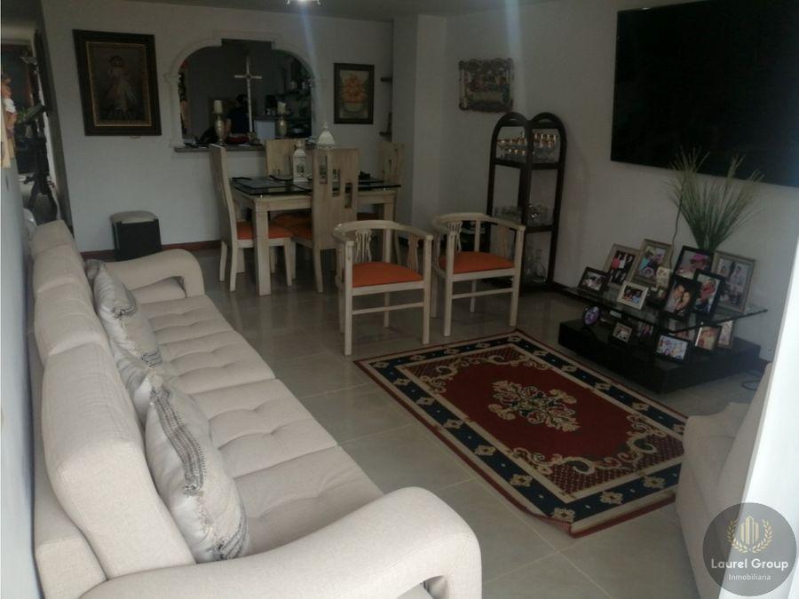 se vende apartamento en laureles bolivariana medellin