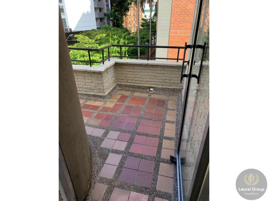 se vende apartamento duplex en patio bonito