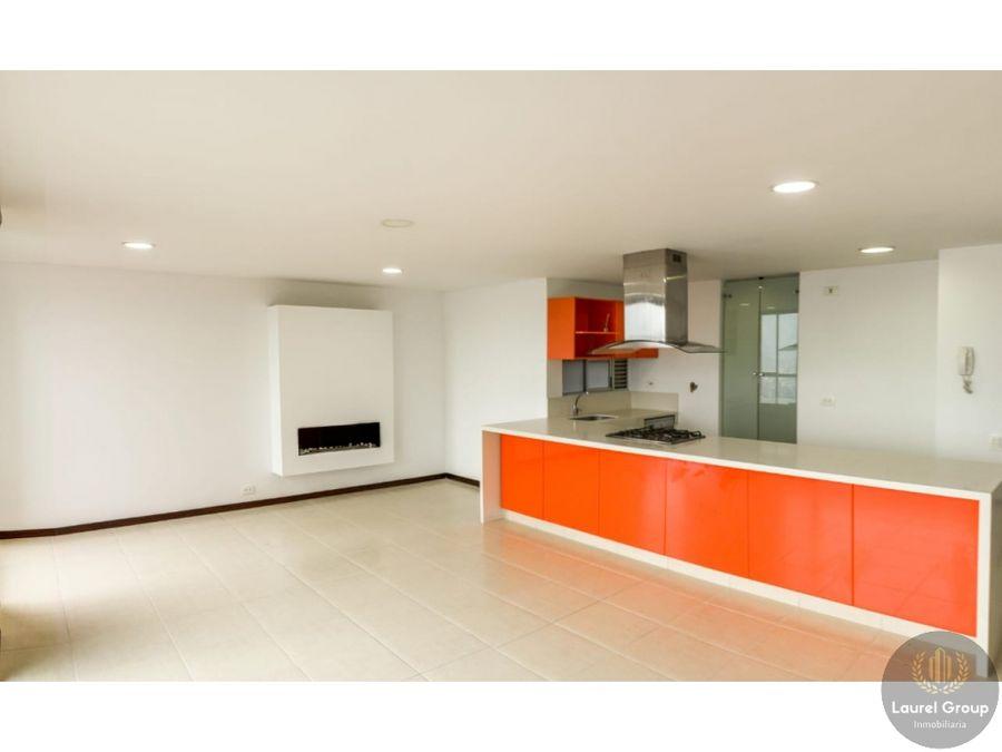 se vende apartamento duplex en el poblado medellin