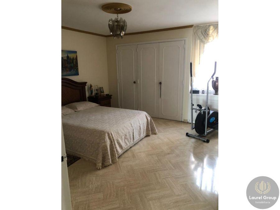 se vende apartamento en laureles santa teresitac