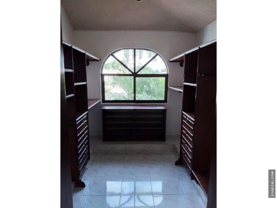 se renta hermosa casa en montecristo 4 habitaciones muy amplia
