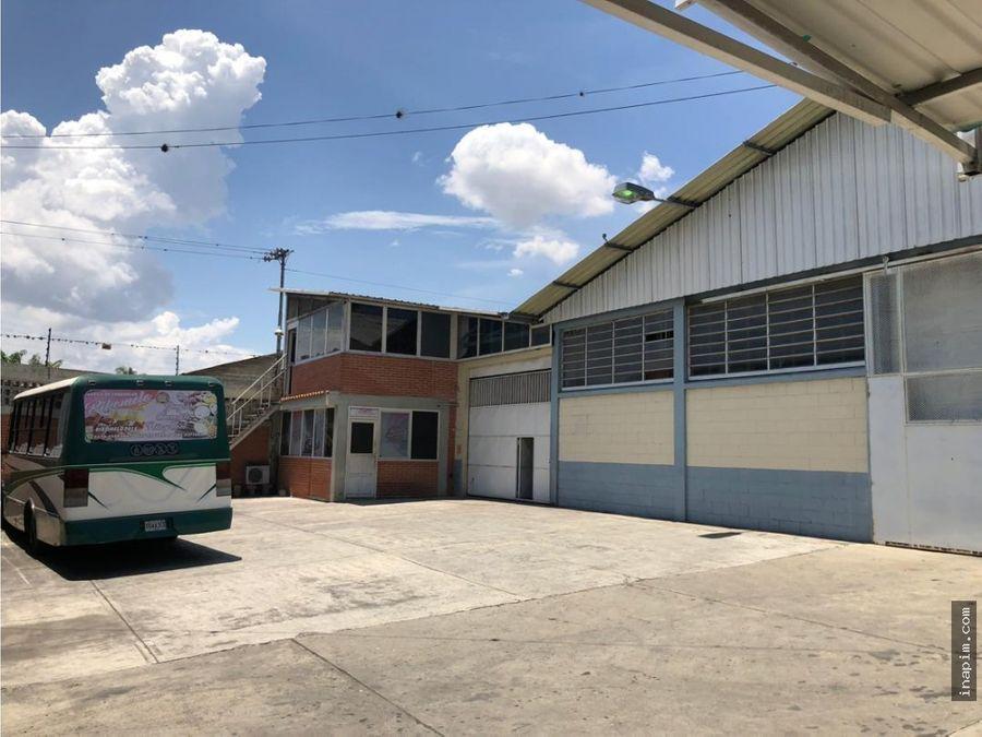 galpon cercano a avenida en la zona industrial de barquisimeto