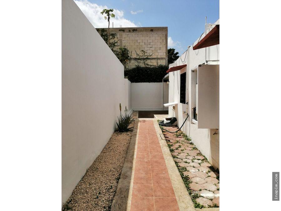 casa amplia de una planta en renta en cholul merida