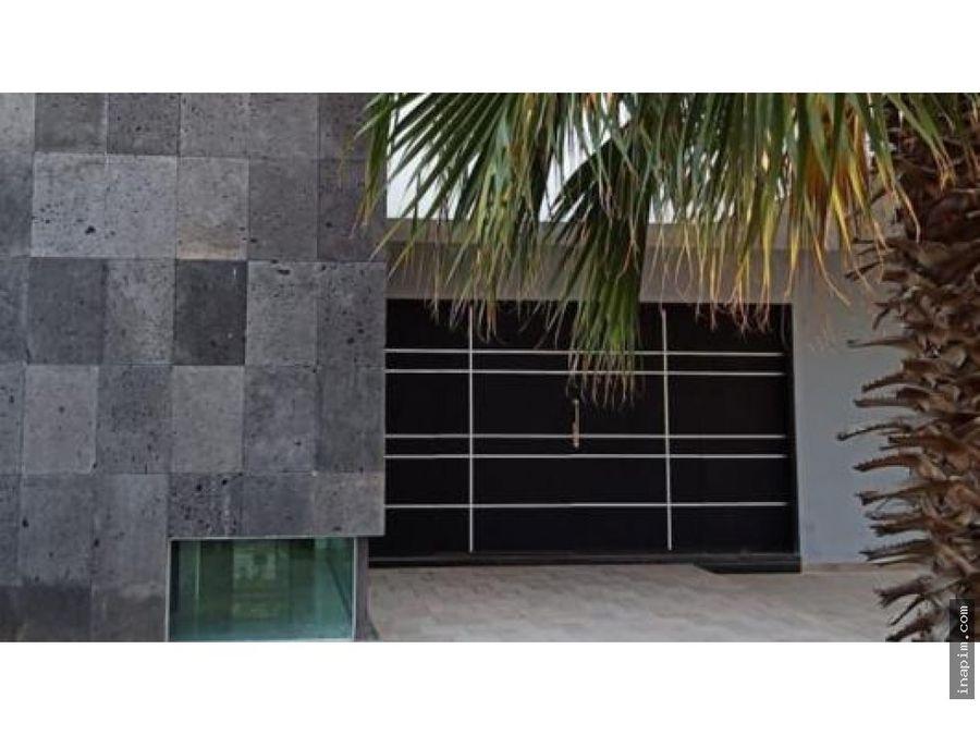 moderna casa en renta con paneles en montebello