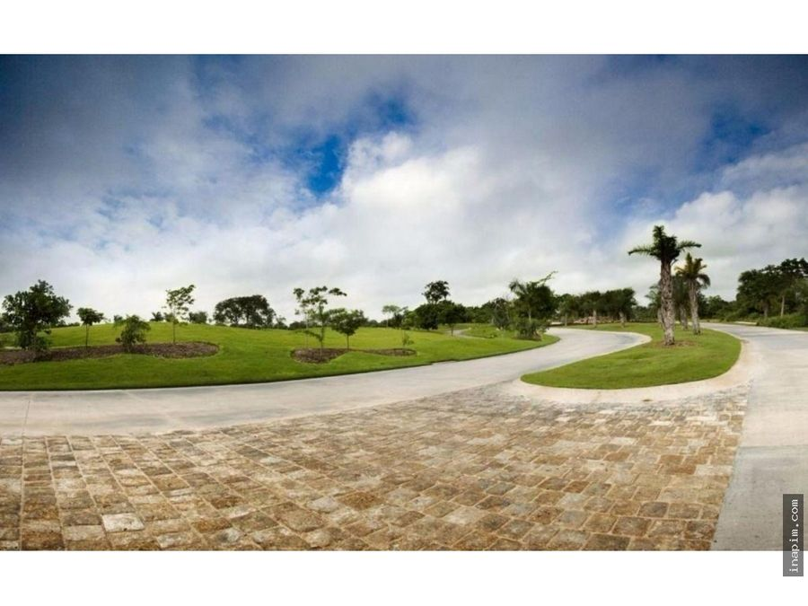 terreno frente al campo yucatan country club