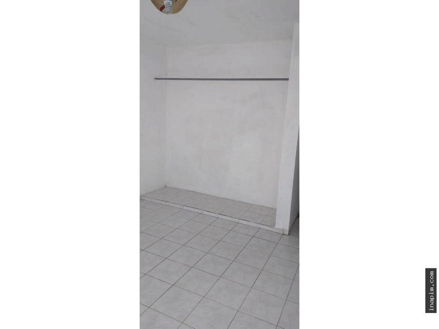 casa 2 cuartos 1 bano amplio terreno en esquina francisco de montejo