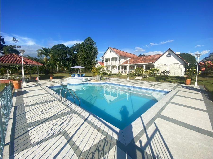 finca de 7 hectareas con casa y piscina