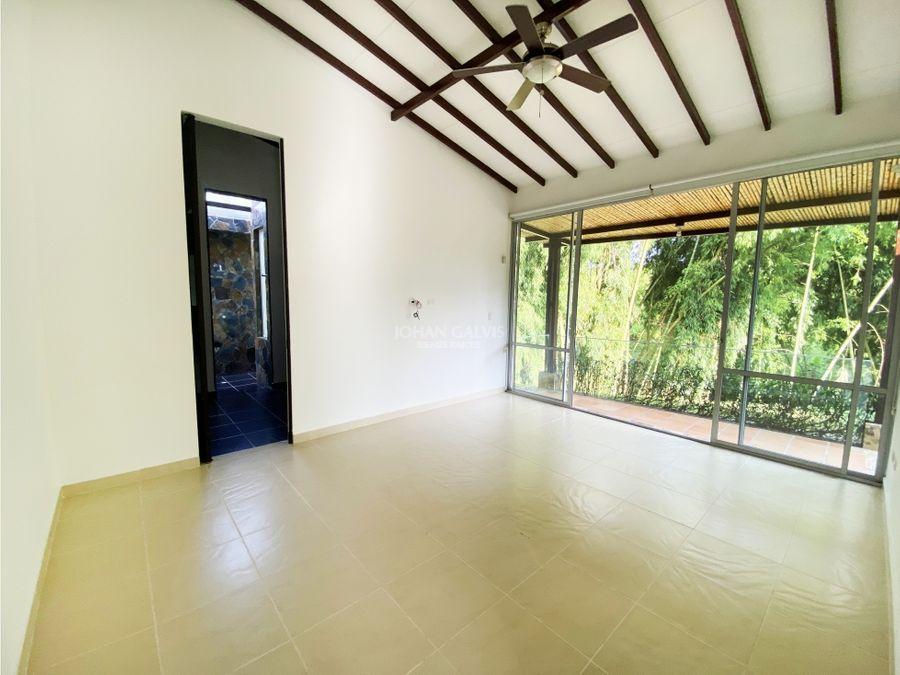 linda e iluminada casa campestre en venta