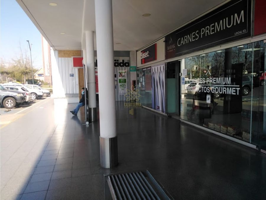 arrienda local strip center av consistorial