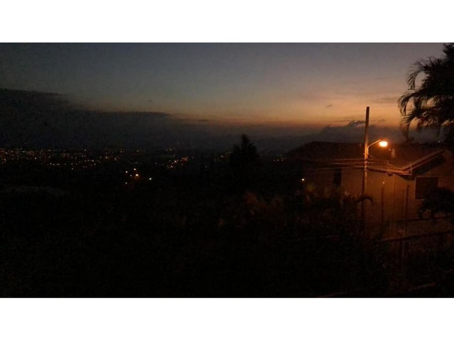 se vende casa grande en grecia