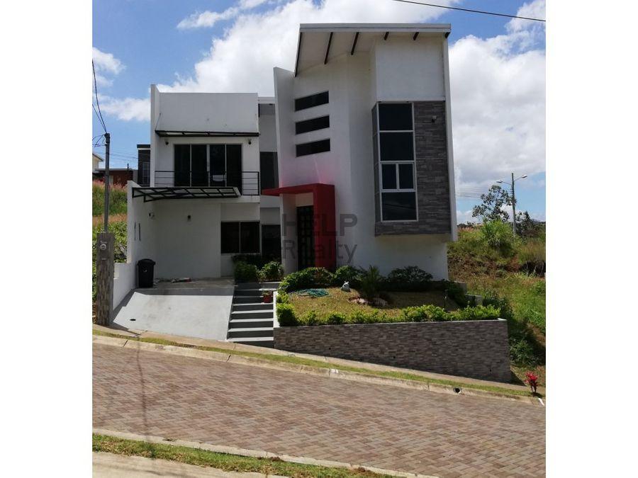 se vende casa nueva en heredia