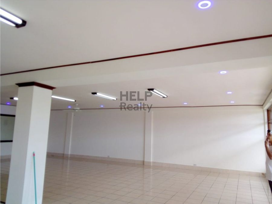 se vende local comercial en san pedro