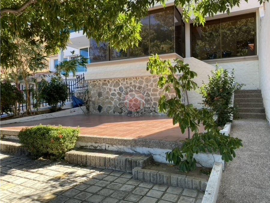 linda casa en santa marta a la venta