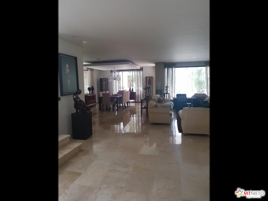 exclusiva casa 930 m2 condominio la castellana