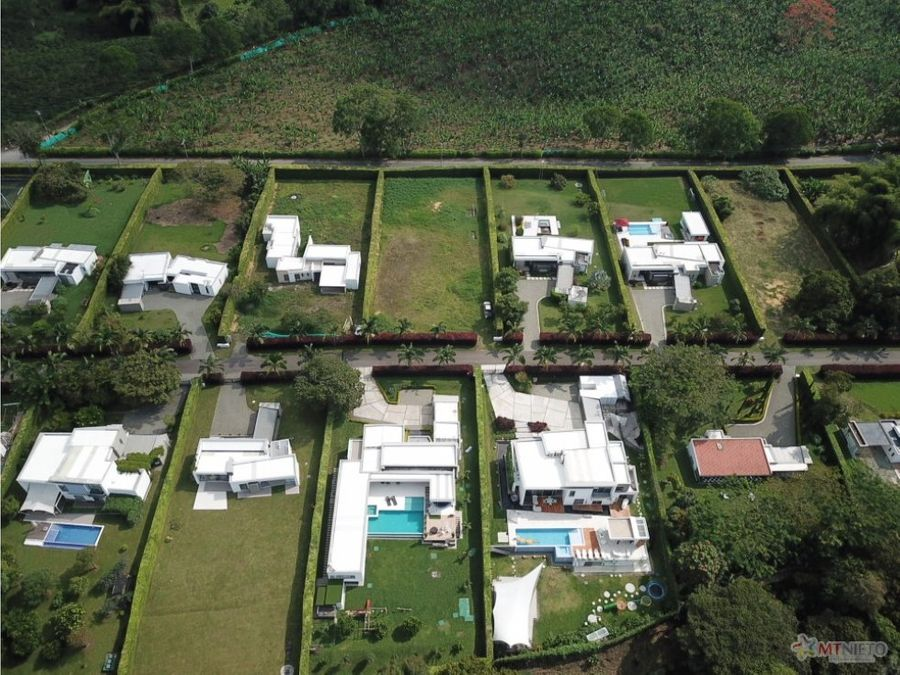 lote 2400 m2 en condominio campestre
