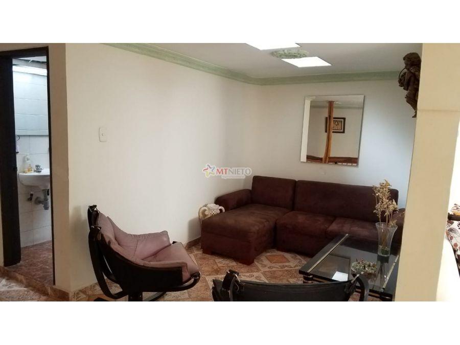 casa de 245 m2 de 5 alcobas norte sector portal del quindio