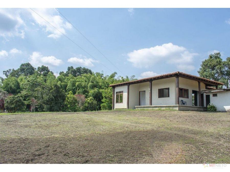 casa campestre 170 m2 y lote de 17614 calarca