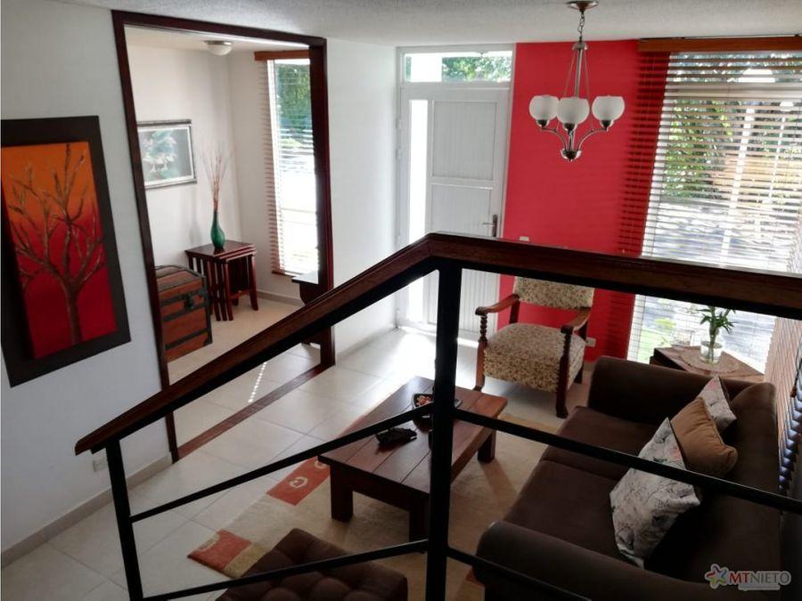 casa 136 m2 de 3 alcobas condominio av 19 norte