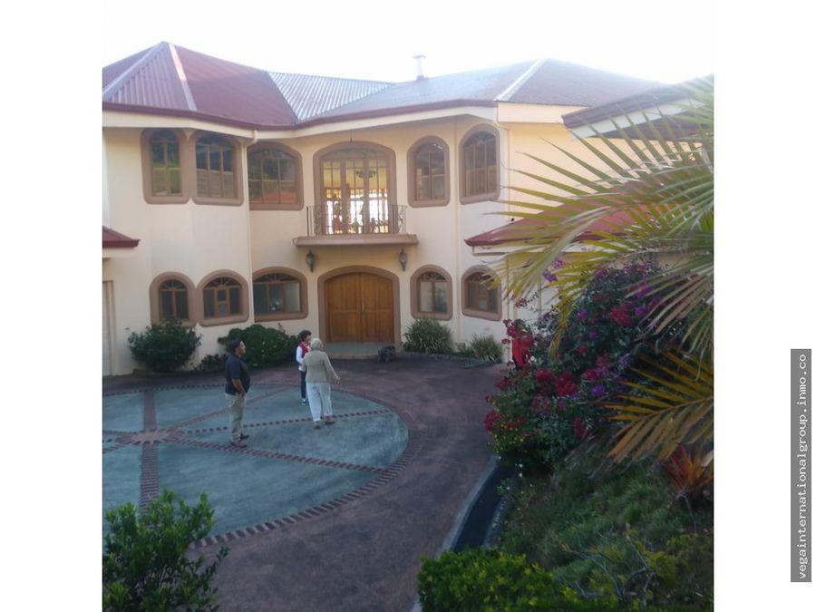 casa de lujo en san rafael de heredia