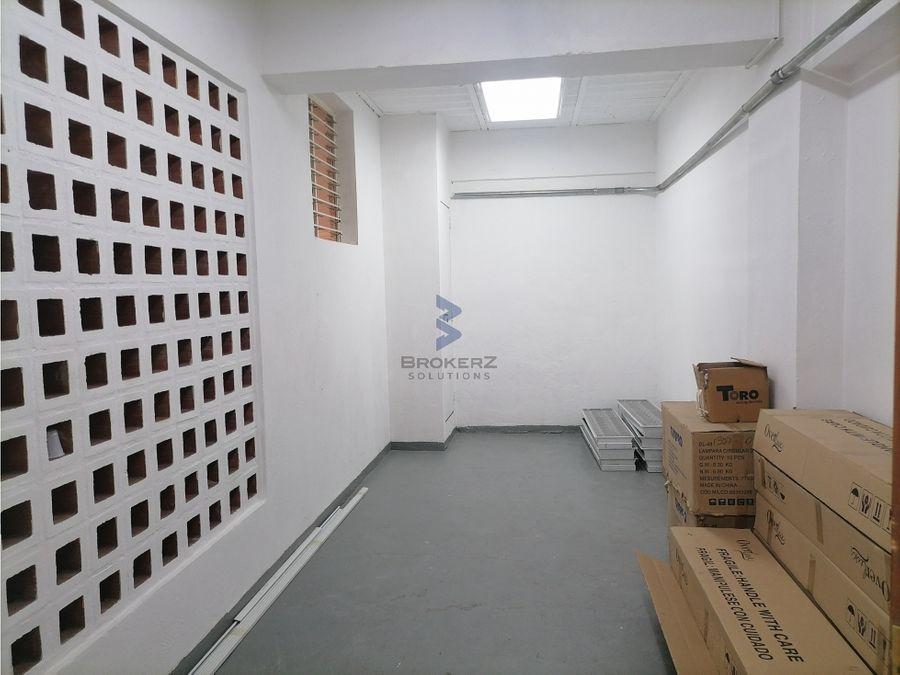 se alquila local deposito 207 m2 los rosales