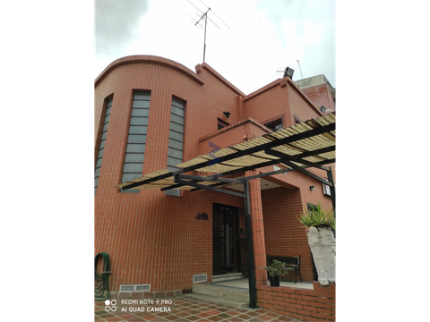 venta casa 393m2 3h 7b 6e san bernardino