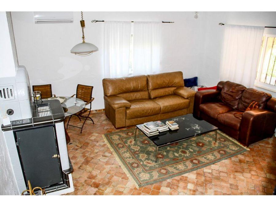 alquiler anual villa con 3 habitaciones en denia