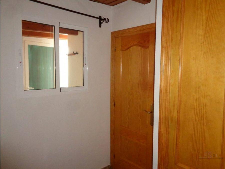 adosado de 3 habitaciones en denia