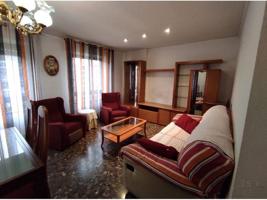 piso de 4 habitaciones en oliva