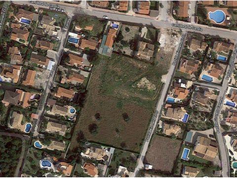 se vende gran solar en els poblets
