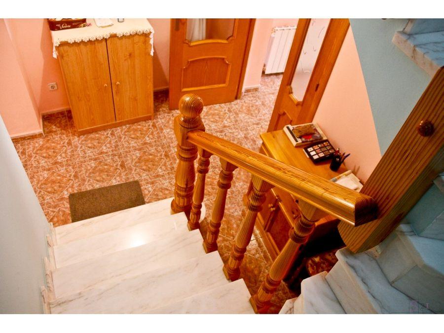 alquiler anual casa de 3 habitaciones en orba