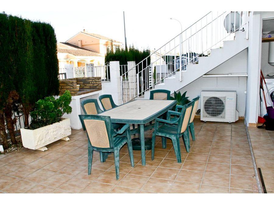 alquiler anual casa de 2 habitaciones en denia