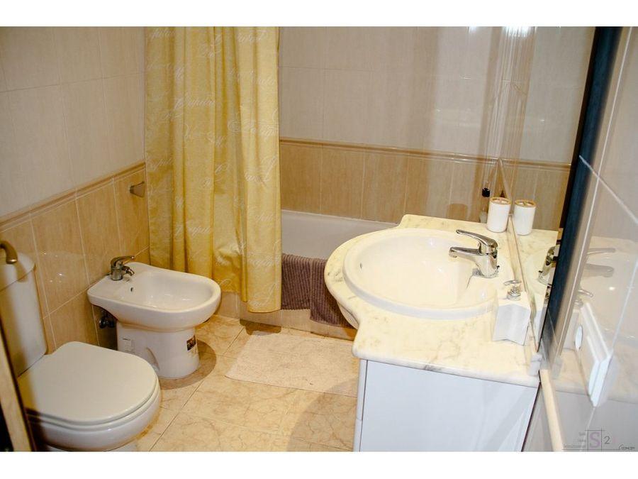 alquiler anual apartamento de 3 habitaciones en denia