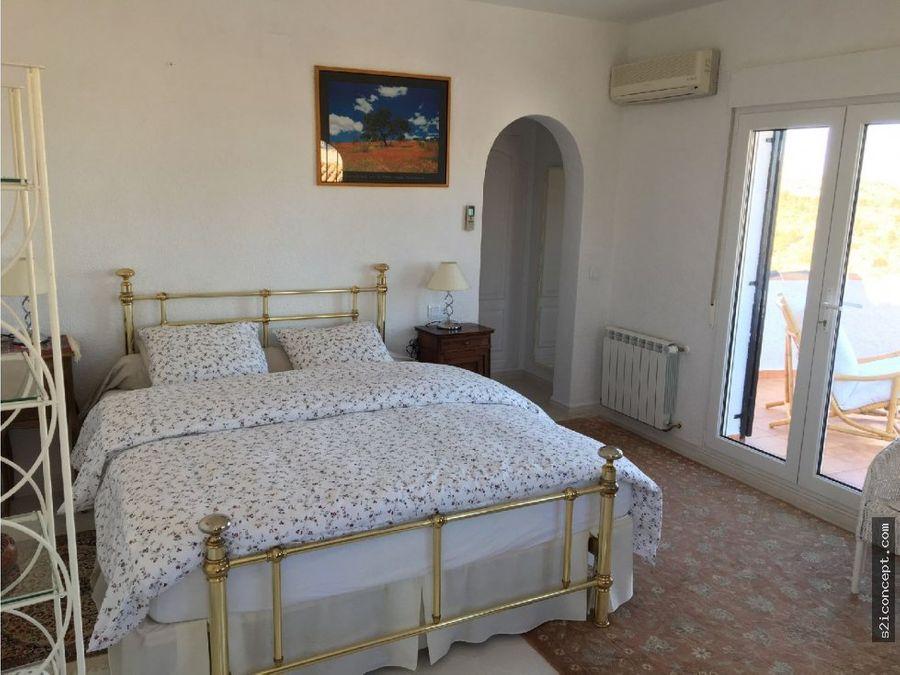 villa de 3 habitaciones en monte pedreguer