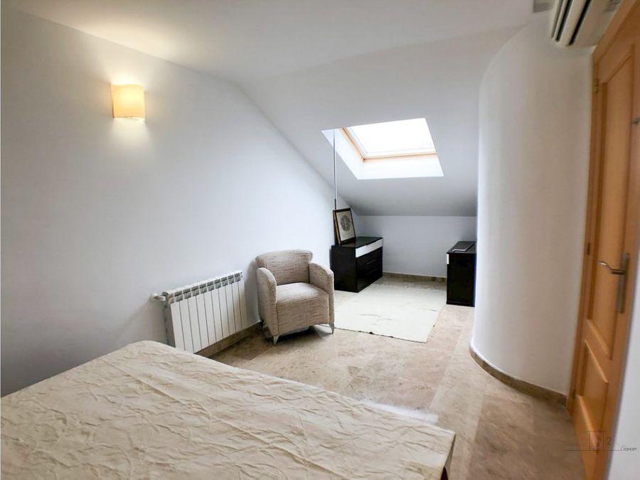 alquiler anual atico de 4 habitaciones en denia