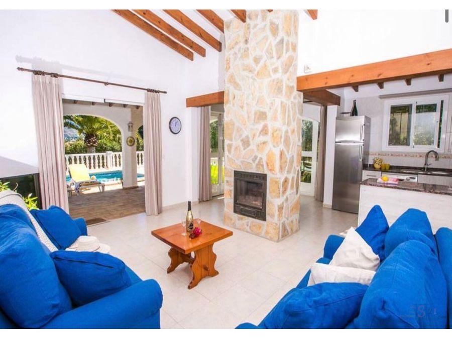 alquiler anual villa de 3 habitaciones en moraira