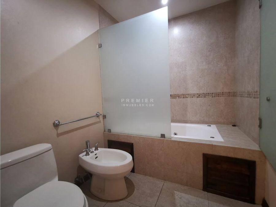 piso bajo 2 habitaciones