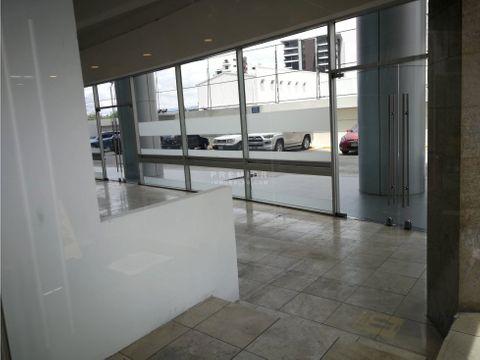 local en edificio corporativo 102 m2 con acceso peatonal zona 15