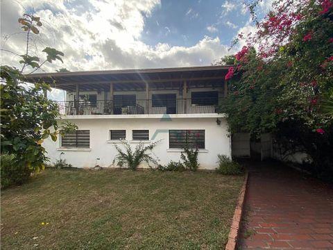 se vende casa 967m2 10h6b8p altamira