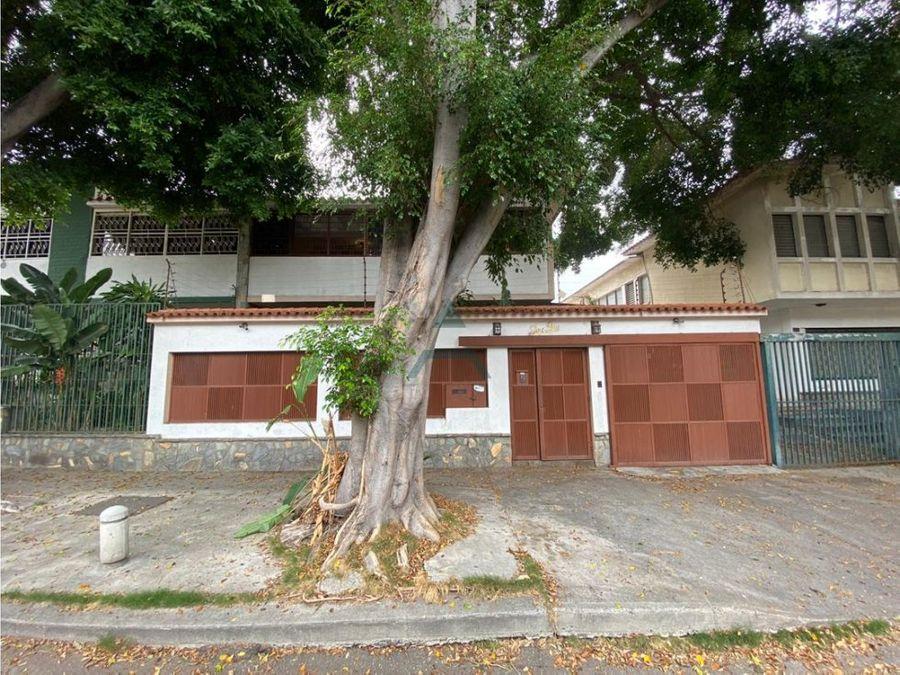 se vende quinta de 280 m2 4h4b4p california norte