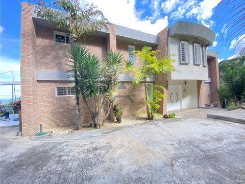 se vende casa 1500 m2 4hs4bs8p en colinas de la lagunita