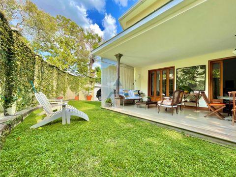 se vende casa 600m2 6hs7bs4p en la castellana