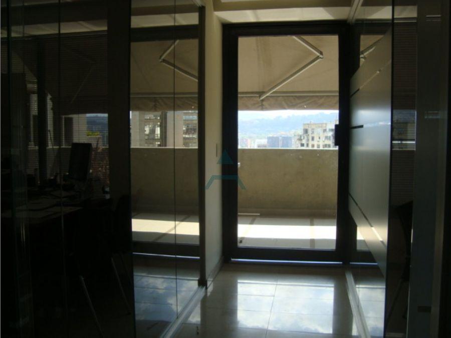 se vende oficina 80m2 4 ambientes 1b chacao