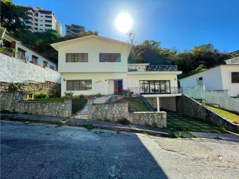 se vende casa 537m2 4h4b4p en colinas de bello monte