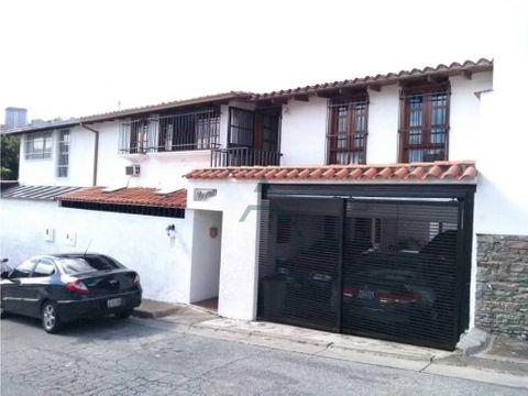 se vende casa 250 m2 5hs5bs4p en prados del este