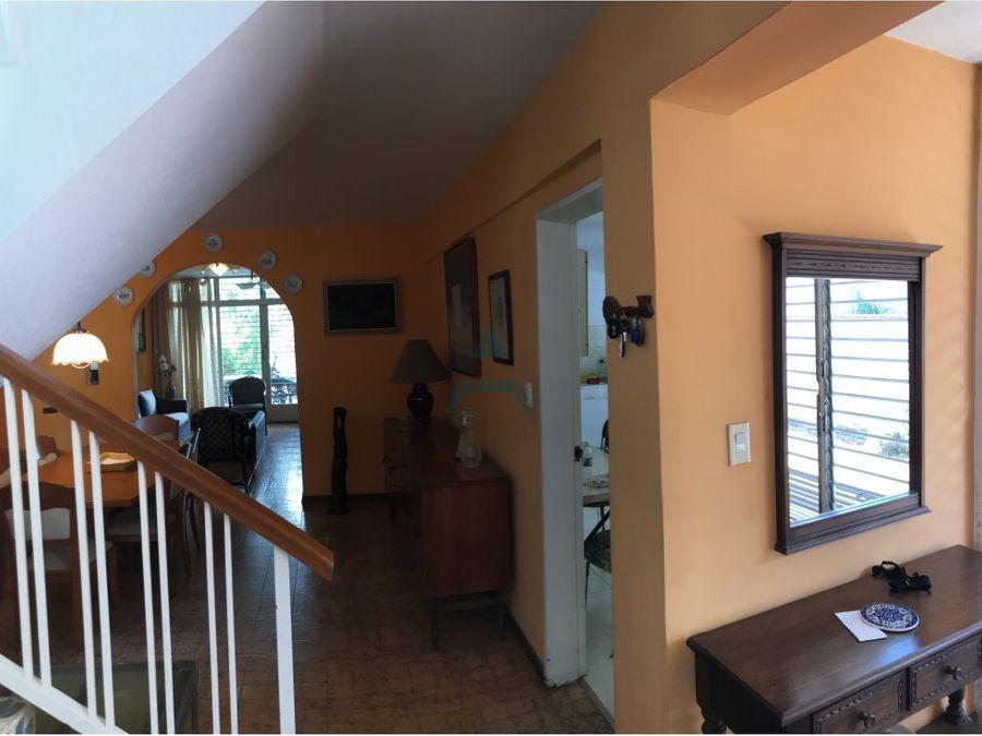 se vende casa 250m2 3hs35bs5p el pedregal