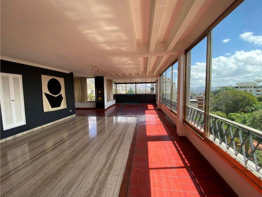 se vende apto 700 m25h4b4p la castellana